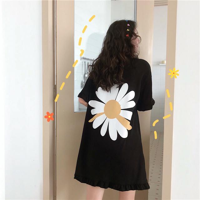 バックに大きな花びらデザイン!フリル裾ワンピース