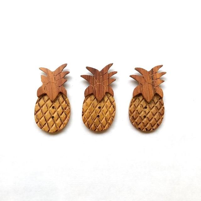 木製パイナップルのフランスボタン