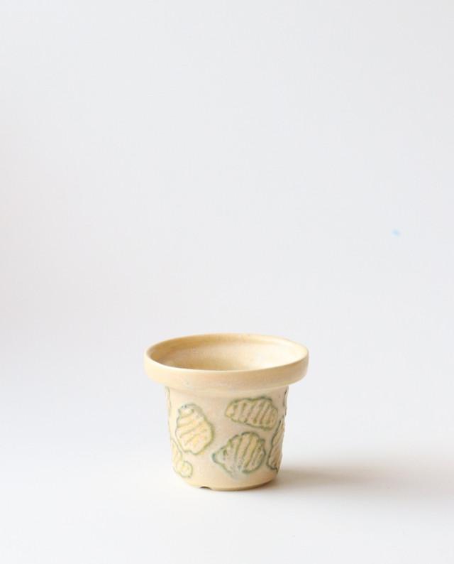 小さな植木鉢(池の模様)