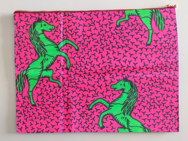 アフリカンファブリック iPadポーチ ピンク地に緑馬両面 オーダー