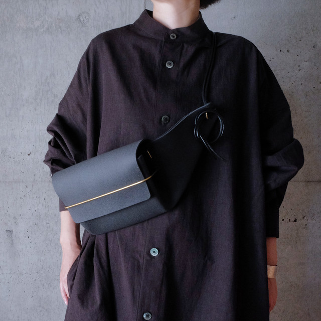 envelope. Leather waist bag [Black]