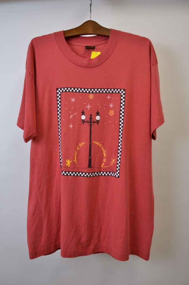 【XLサイズ】 TOSAFEST CHARIOTS OF FIRE TEE アンティーク調イラストプリント 半袖Tシャツ PINK 400601190751