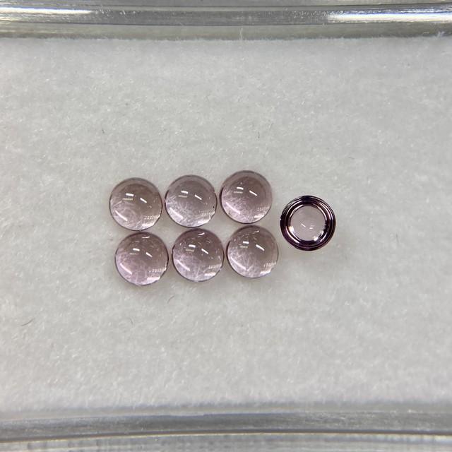 選べないお買い得  カボション スピネル 淡いピンク系 約2.9mm r-0252