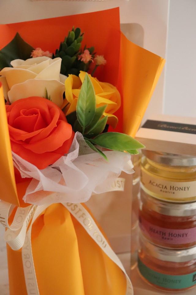 orangeソープフラワーと3種の蜂蜜セット
