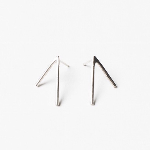 "【SALE ""アトリエ市""】ANOTHER FEATHER / DART EARRINGS SILVER"