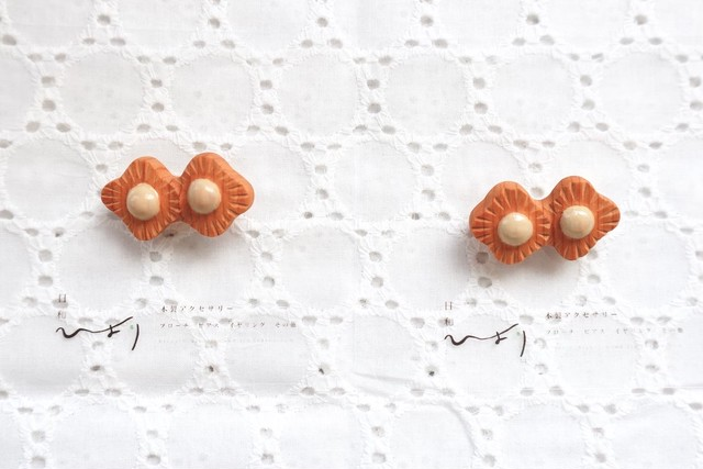 花々ブローチ