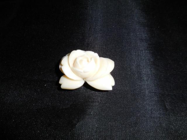 牡丹珊瑚帯留 peony coral work Obi sash clip(No5)