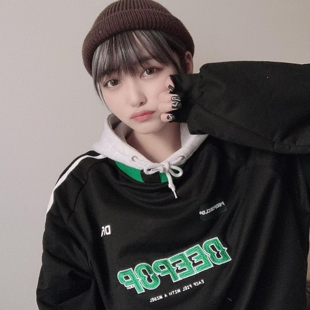 【MIRIさん着用】スポーツジャージ風プルオーバートップス