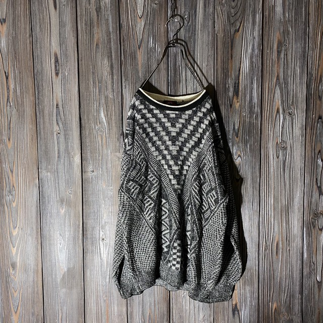 [used]V line design knit