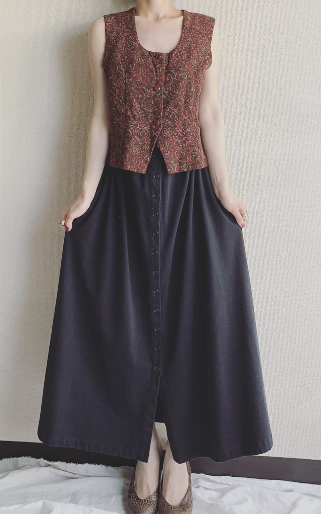 vintage center button black skirt
