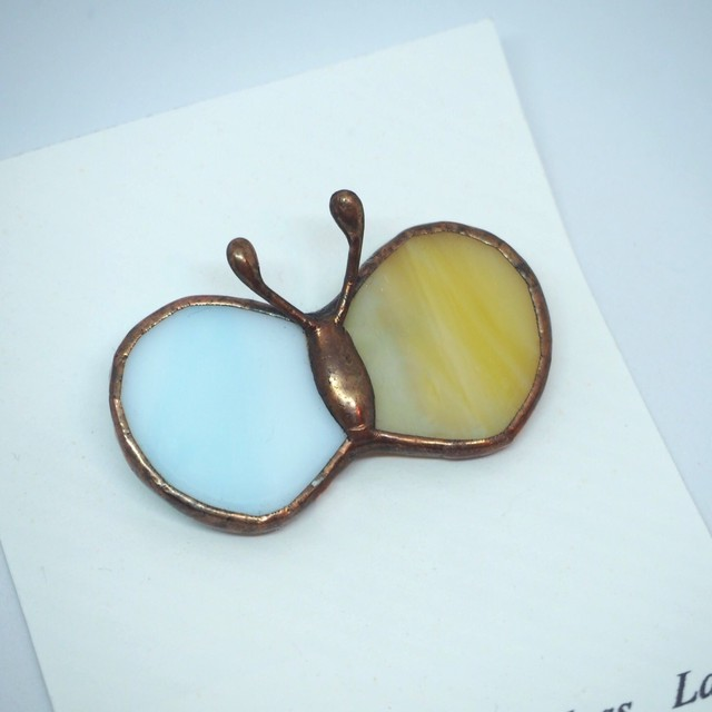 【glass Lab】ちょうちょのブローチ / 青・黄色