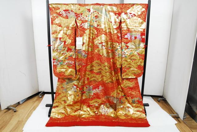1218 美品 着物 正絹 打掛 振袖 寿松御殿 金彩 赤 身丈182cm 裄丈68cm