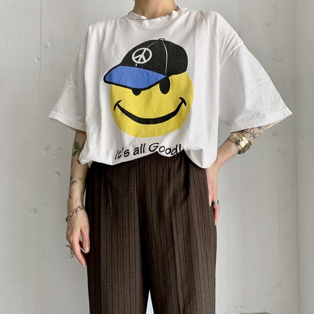 It's all Good!  vintage print tee.