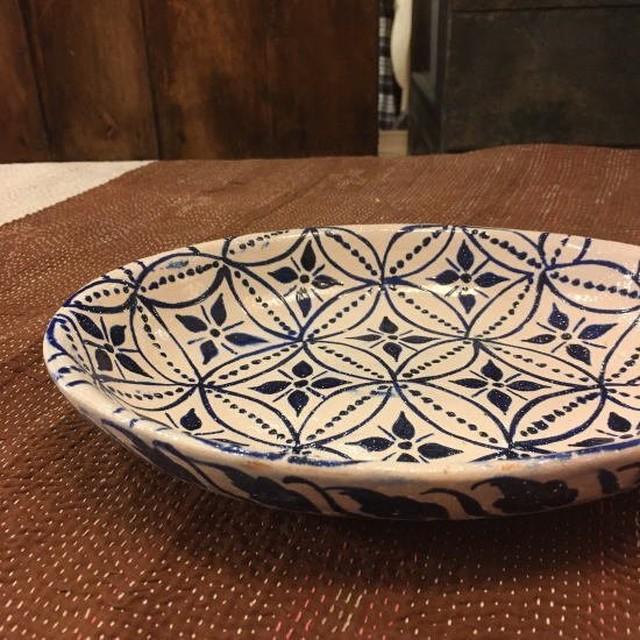 パキスタン ハイデラバード窯の陶器 楕円深皿L/ホワイト