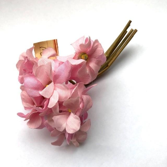 淡いピンクのヴィンテージ花束