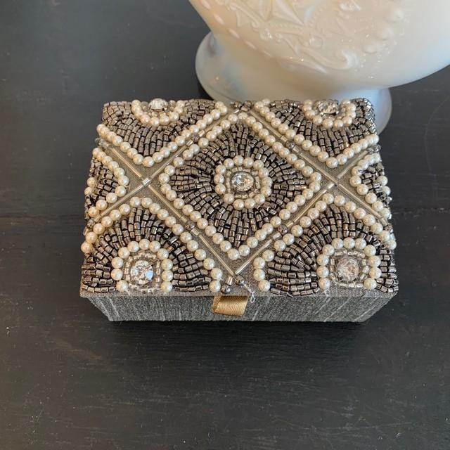 ビーズ刺繍ジュエリーボックス