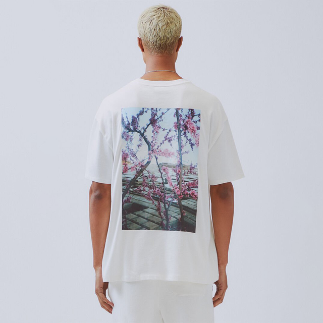 FOG ESSENTIALS / Essentials Boxy Photo Series T-Shirt / White