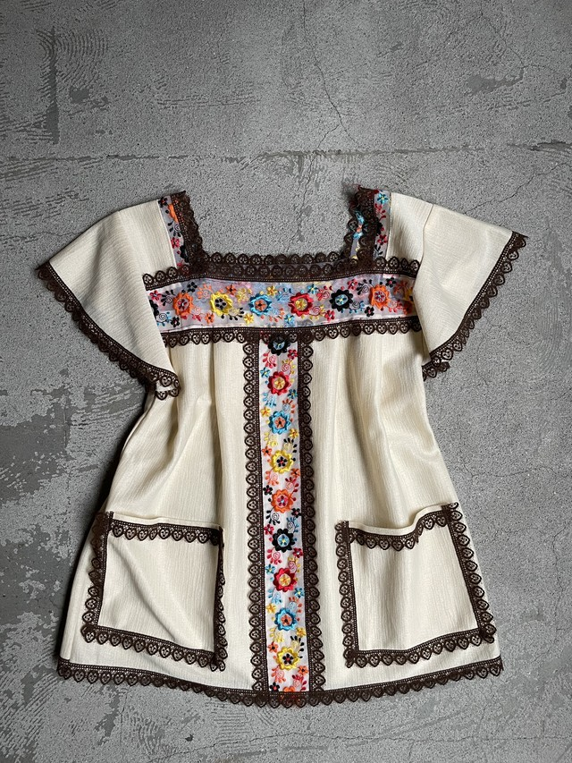 vintage tyrolean embroidery blouse