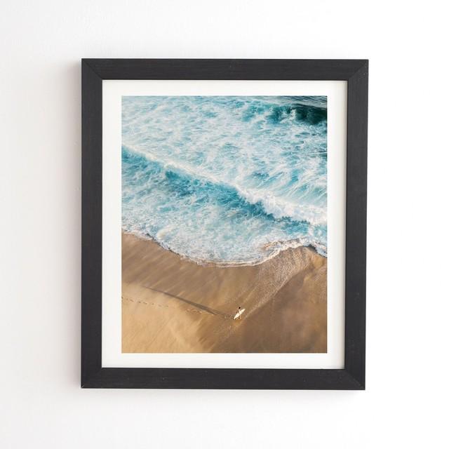 フレーム入りアートプリント   THE SURFER AND OCEAN  BY ROMANA LILIC LA76 PHOTOGRAPHY【受注生産品: 7月中旬入荷分 オーダー受付中】