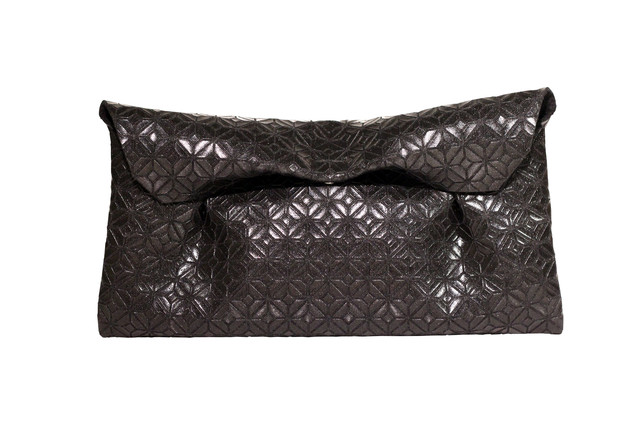 FUKUSA CLUTCH/BLACK BLACK