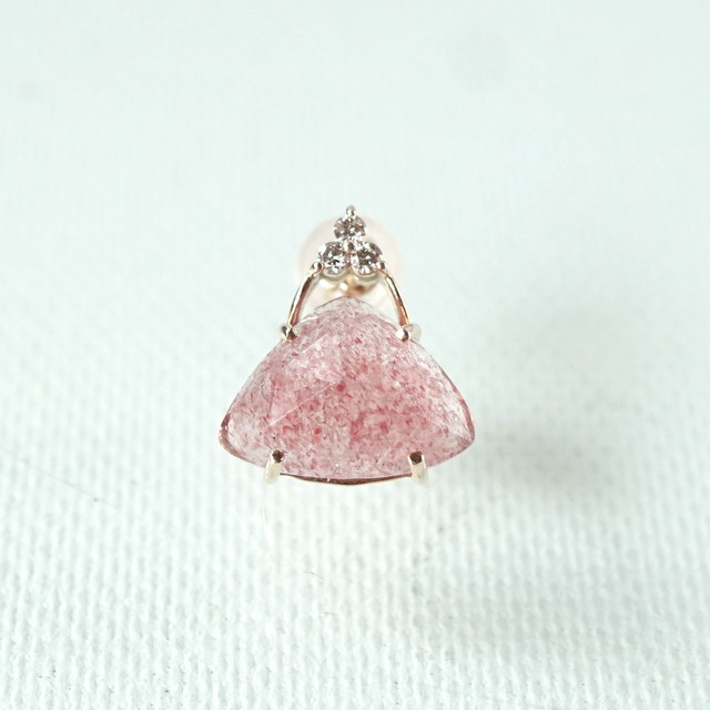 Tri-cut gem pierce Strawberry quartz 片耳 - K10YG