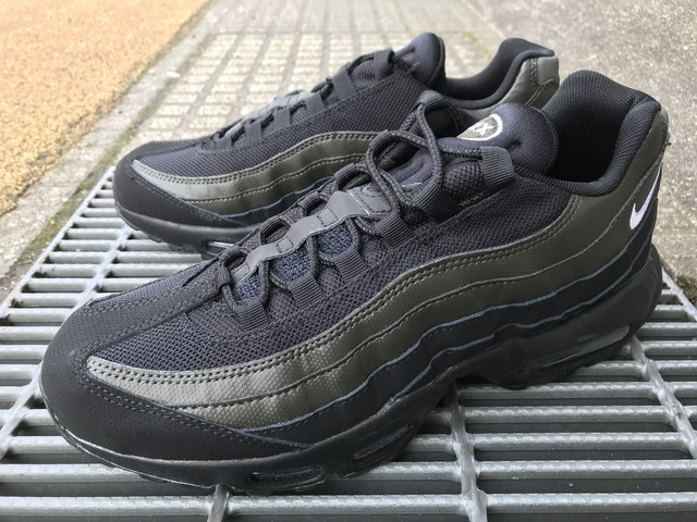 NIKE AIR MAX 95 ESSENTIAL (BLACK/WHITE-SEQUOIA)
