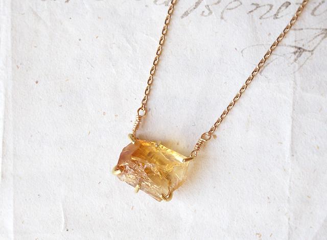 【一点物】原石のシトリンのネックレス