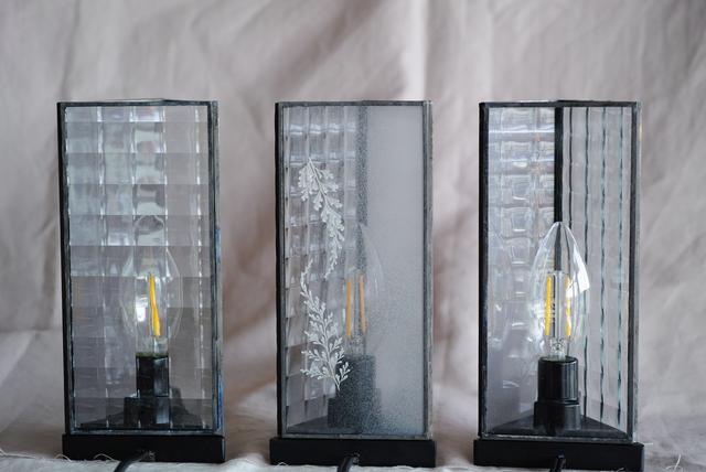 お在庫3点【レースファーン】△ GLASS LAMP(スイッチ式卓上照明)LED球