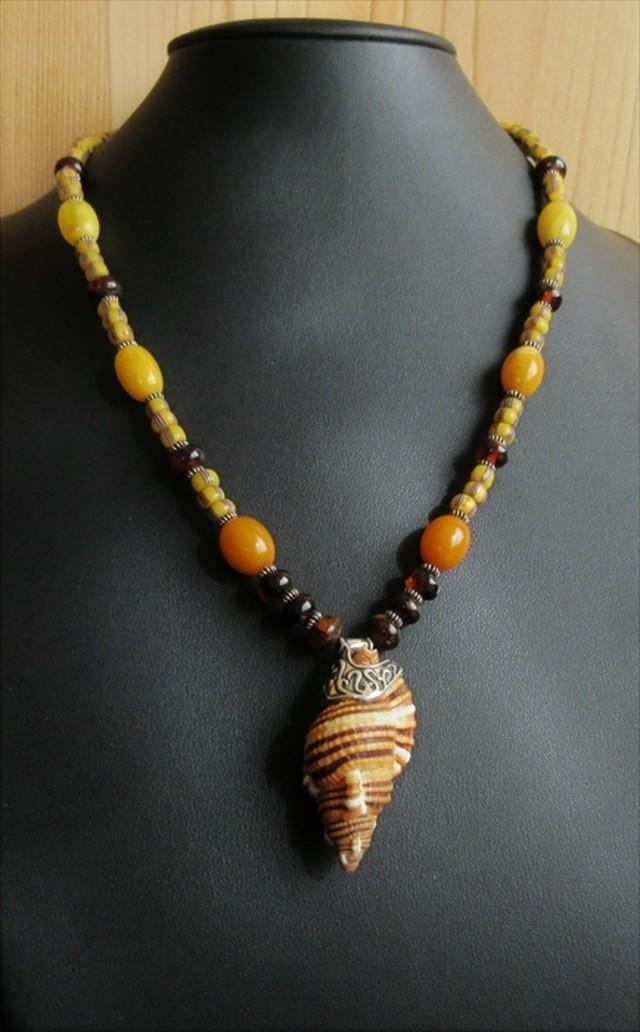 ジュセイラと琥珀の首飾り
