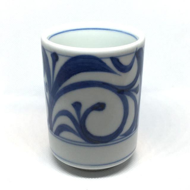 【砥部焼/梅山窯】松湯呑(赤菊)