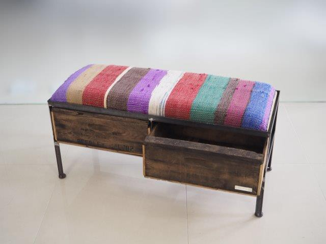 品番UNR2-105  2drawer ottoman[nerrow/chindy rug]