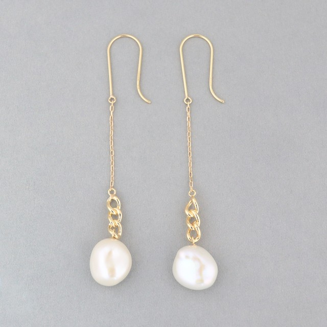 Keshi pearl hook pierce