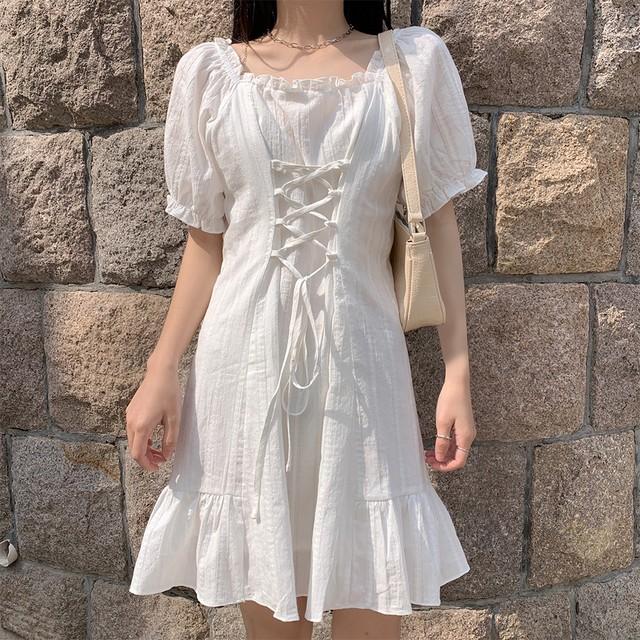 編み上げ ウエスト絞り ワンピース パフ袖 韓国ファッション レディース スクエアネック Aライン ハイウエスト かわいい ガーリー / Waist Slim Puff Sleeve Square Collar Dress (DTC-618967956615)