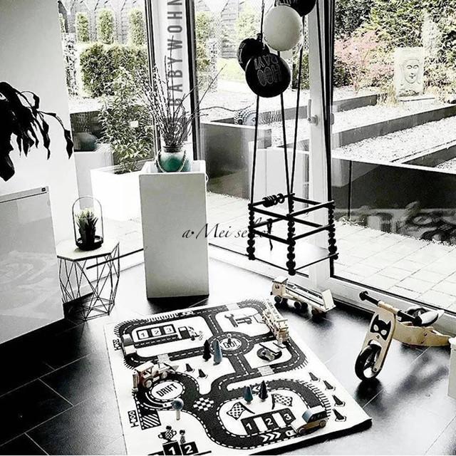 プレイマット【140cm✖90㎝】 ベビー&キッズルーム 【サーキットデザイン】北欧モノトーン キッズRoom 赤ちゃんマット 出産祝い ハーフバースデー プレイマット