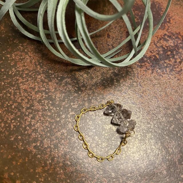 Trio ring ハーキマー型