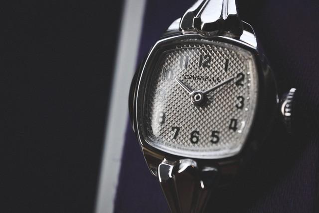 【Caravelle by BULOVA】 1970's  レトロヴィンテージ  レディースウォッチ 手巻き アメリカ製  デッドストック Vintagewatch / Ladieswatch