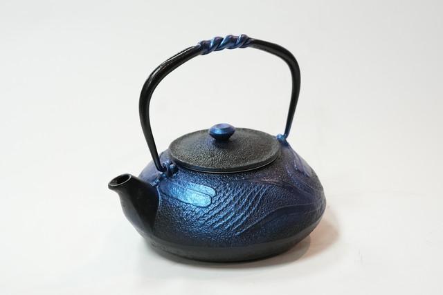 南部鉄器 鉄瓶 蜻蛉 瑠璃色 0.5L
