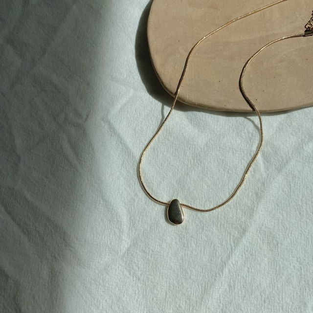 Small bean necklace/gold