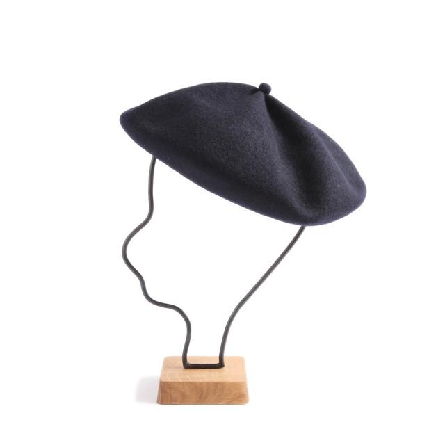 mature ha./beret top gather big navy