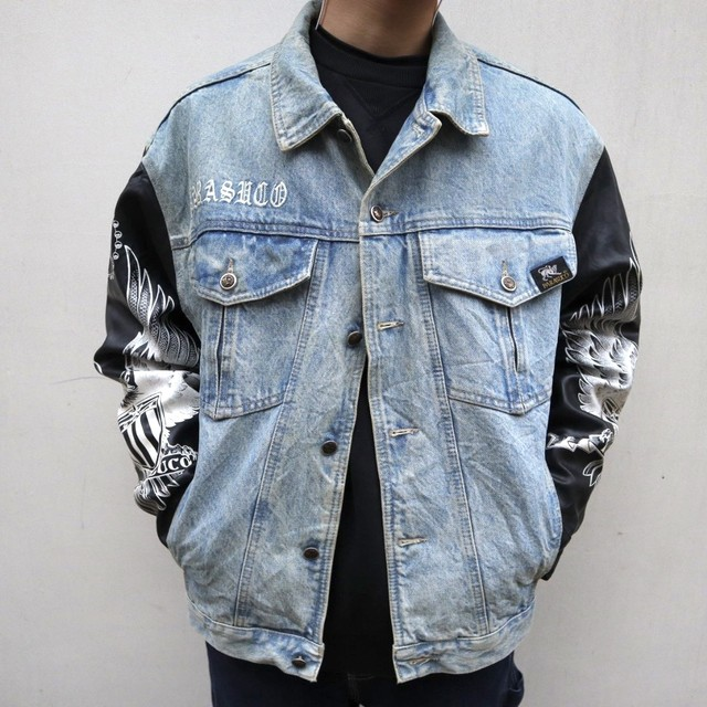 switching design denim jacket