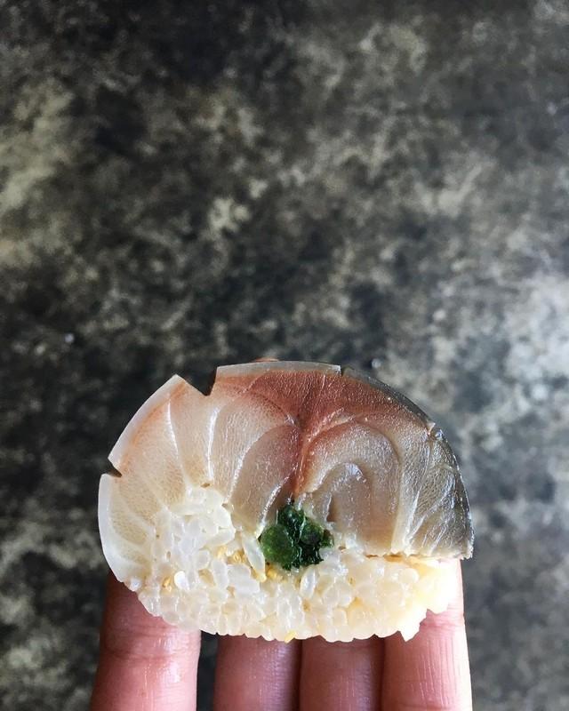 9月中旬までお休み 鯖寿司  発送◎
