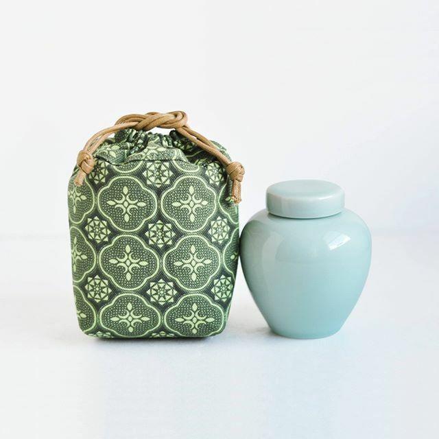 安達窯 青磁茶葉壺
