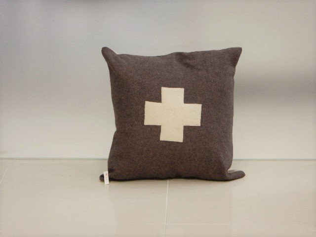 品番UC-001 Cushion [Large / European Military Blanket]