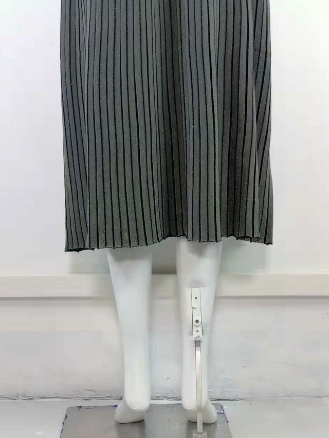 ラメニットプリーツスカート.