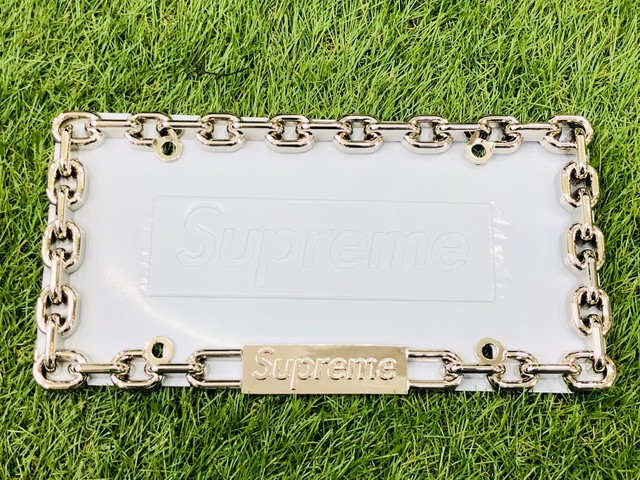Supreme 18AW CHAIN LICENSE PLATE SILVER 52.5JG7822