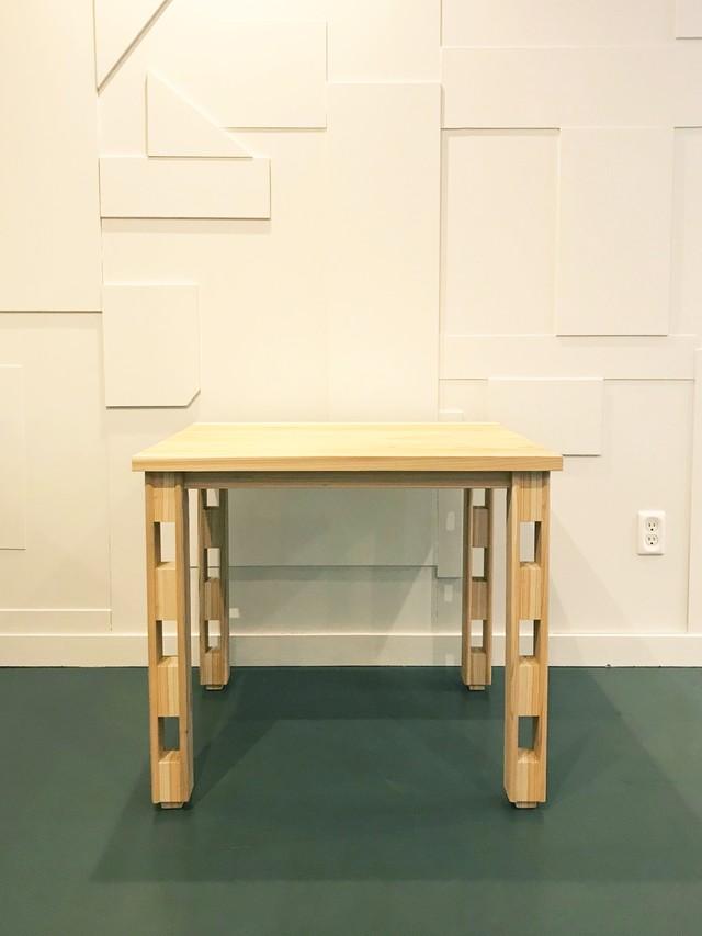 穴アキ脚 テーブル