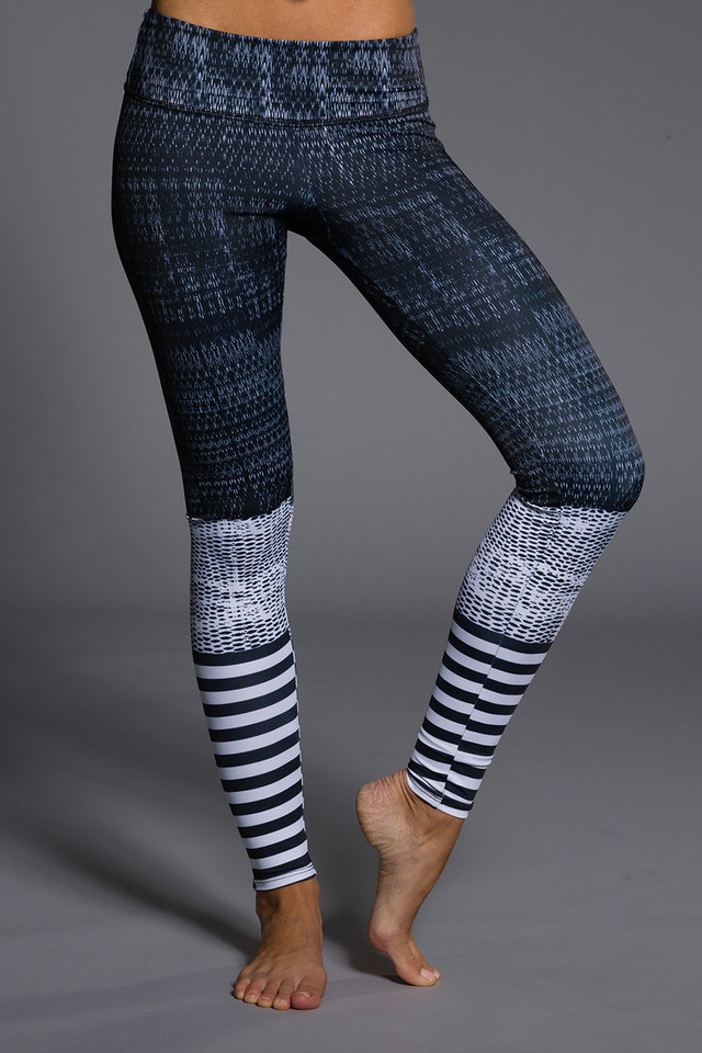 ONZIE Graphic Legging - Levels