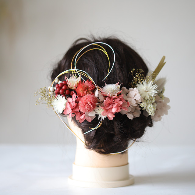 長く楽しめる花の髪飾り