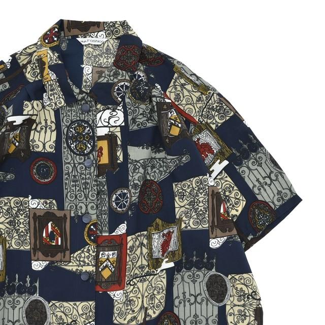 Antique design pattern polyester shirt