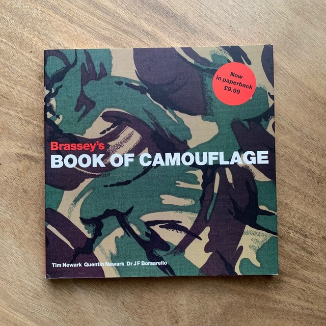Brassey's Book of Camouflage  /  Tim Newark
